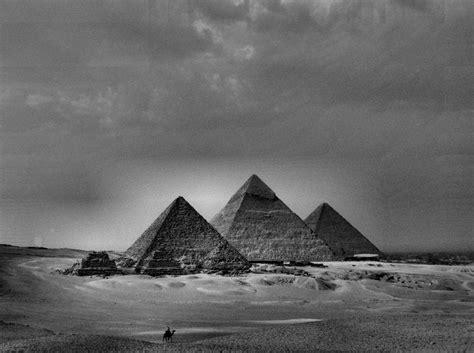 pyramids at giza roxane vigneault flickr