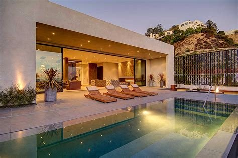 design house la home private house with a stylish interior in l a and a breathtaking view over the city freshome com