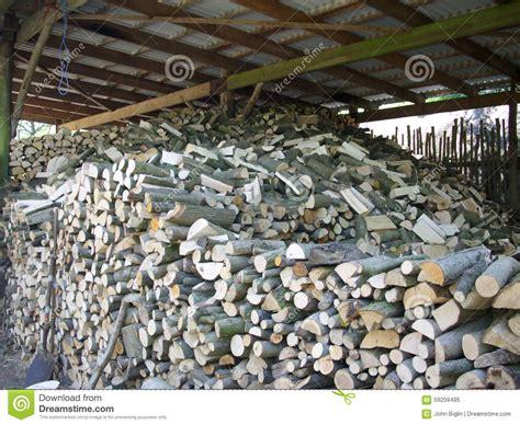 chauffage hangar rondins fendus empil 233 s pour le s 233 chage de bois de
