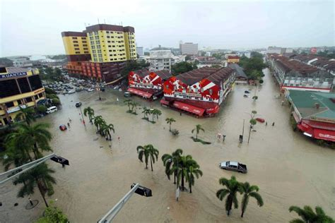 malaysia new year weather singapore news today singapore donates s 227 000 to