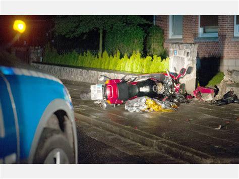 Motorradunfall Uelzen by Motorradfahrer T 246 Dlich Verungl 252 Ckt Suderburg