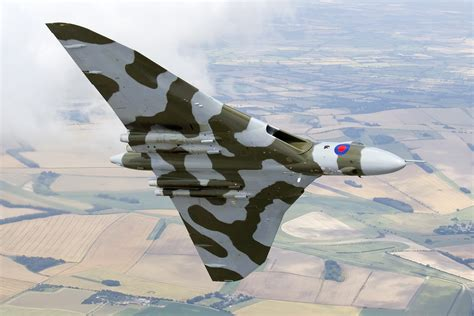 Boomber Voolcon vulcan bomber to wow nostalgia festival crowds during farewell season mpa creative