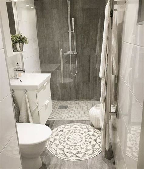 Bathroom Makeovers On A Budget by Best 25 Budget Bathroom Makeovers Ideas On