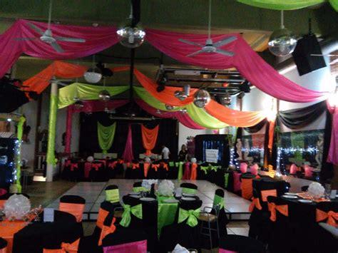 decorar con globos y telas decoracion de eventos telas globos arreglos florales