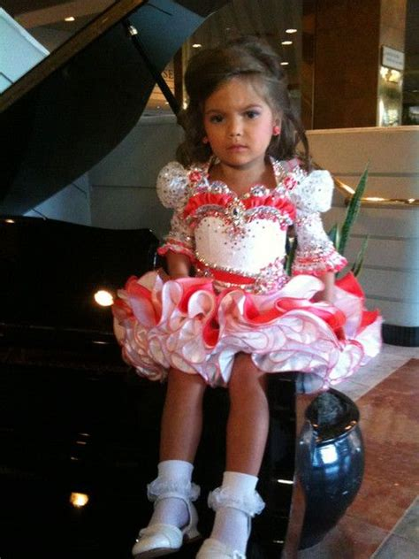 Toddlers And Tiaras Goes A Bit Far by 17 Best Images About Toddlers And Tiaras On
