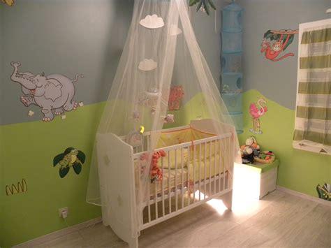 chambre bébé safari maison moderne bois