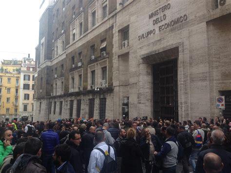 le ast roma manifestazione lavoratori ast terni le foto degli
