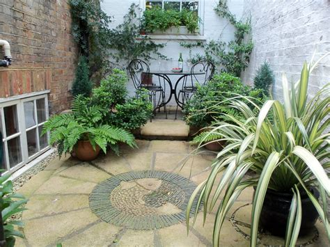 Small Mediterranean Garden Ideas Tiny Courtyard Ideas Search Small Interior Courtyards Courtyard Ideas