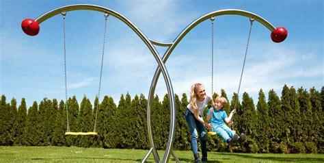 swing swing swings stilum