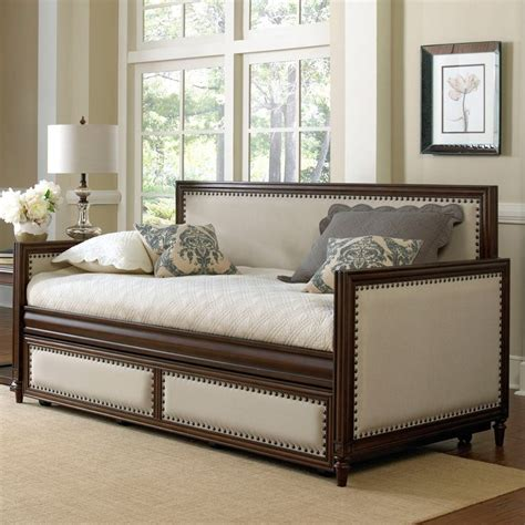 upholstered headboard daybed 1000 ideas about upholstered daybed on pinterest