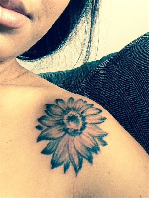 Black And White Sunflower Tattoo On Shoulder Creativefan Black And White Sunflower Shoulder