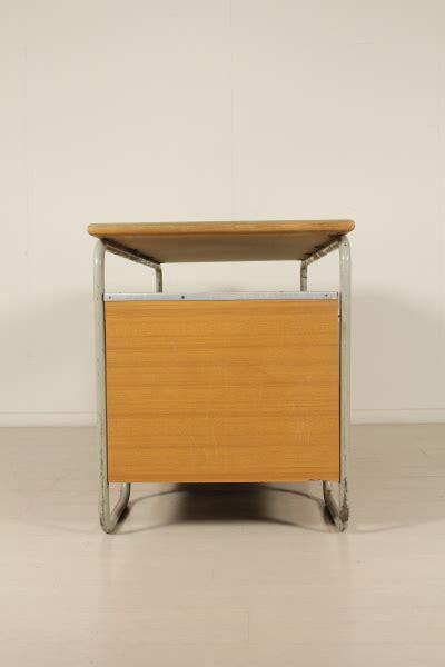 scrivania anni 30 scrivania anni 30 40 tavoli modernariato dimanoinmano it