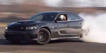 the 2015 dodge charger srt hellcat drift