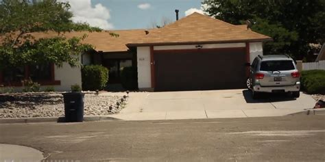 walter white house century 21 put walter white s house up for sale on craigslist the daily dot
