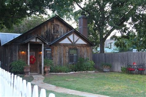 Fredericksburg Cabins With Tub by La In Fredericksburg Cozy Cottages Cabins