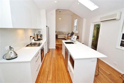 kitchen laminates designs kitchen laminate designs laminate kitchen design ideas