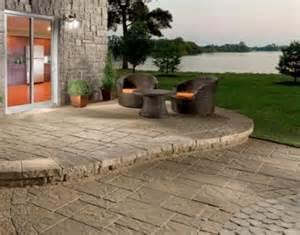 Marvelous Comment Nettoyer Une Piscine #1: Terrasse-comment-nettoyer-sa-terrasse-en-beton-astuce-nettoyage-pour-terrasse-beton-enlever-tache-terrasse-beton-.jpg