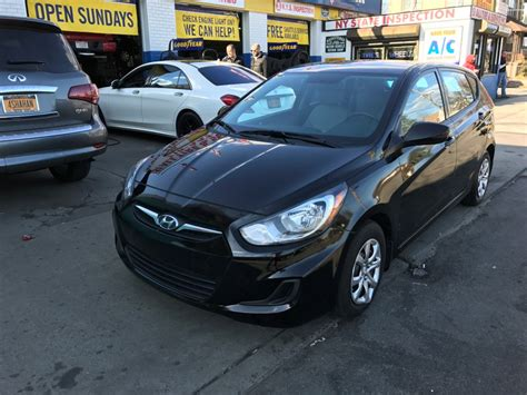 2013 hyundai accent gs hatchback used 2013 hyundai accent gs hatchback 7 390 00