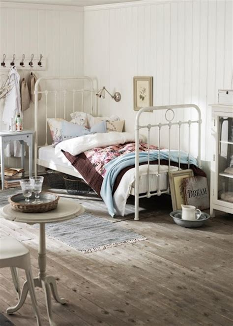 40 Comfy Cottage Style Bedroom Ideas Cottage Bed