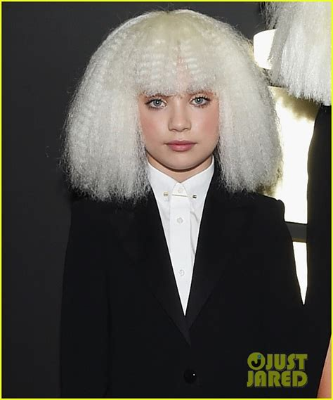 maddie ziegler grammys sia chandelier dancer maddie ziegler wig out at
