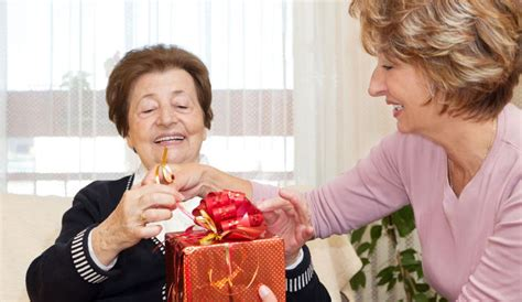 christmas ideas for seniors gifts for seniors with dementia 25 ideas dailycaring