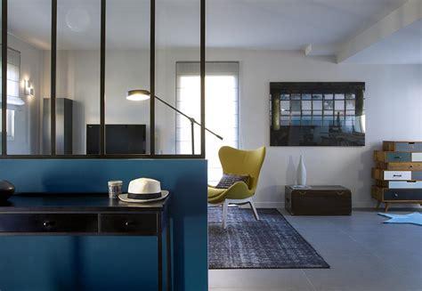 Impressionnant Amenagement D Une Cuisine #8: 3-caroline-desert-decoratrice-entree-verriere-bleu-canard-industriel.jpg