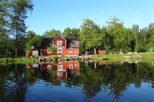 schweden haus am see gruppenhaus hallaskog in schweden horizonte reisen