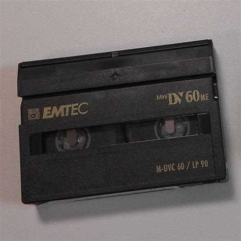 cassetta mini dv file cassette mini dv jpg wikimedia commons