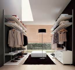 picture of cool walk in closets
