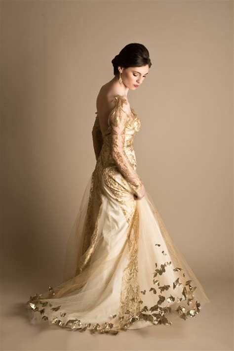 White Leaf Wedding Dresses by Dramatic Bridal Styling In White And Gold Hey