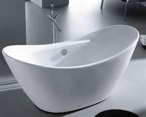 standing bath tub small