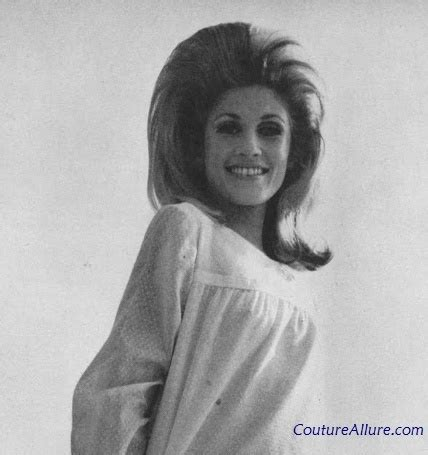 womens pubic hair 1960s 17 best images about 1960 hairstyles on pinterest bobs