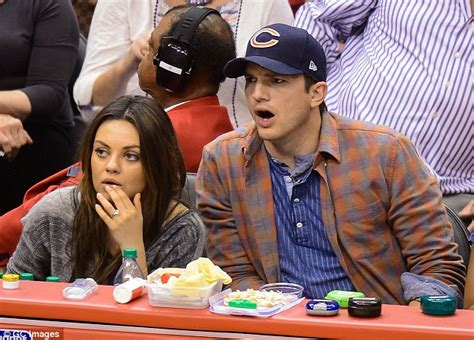 Kurnis Blue mila kunis and ashton kutcher expecting baby as they