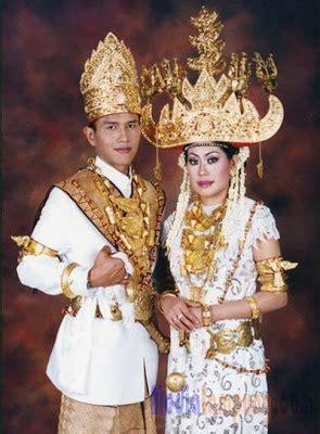 Aksesoris Pengantin Lung Baju Adat baju pengantin pepadun abung utara baju adat lung baju distro keren