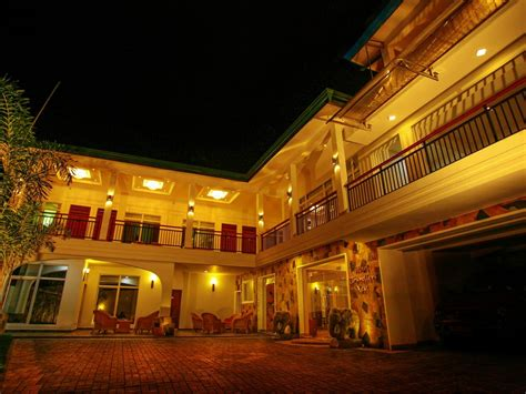kandy hotels room rates hotel travellers nest kandy lake front kandy sri lanka great discounted rates