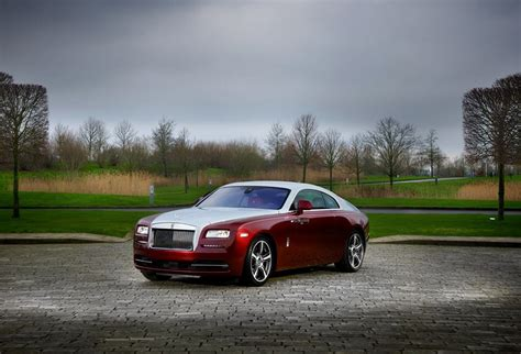 roll royce red bespoke syrah red rolls royce wraith revealed