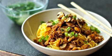 Buat Mie Ayam Sendiri | nikmatnya bakmie ayam jamur buatan sendiri masak yuk