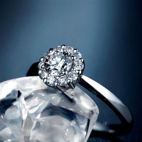 Cincin Emas Berlian 27 jual cincin tunangan kawin pernikahan berlian emas wedding ring carnation tiaria