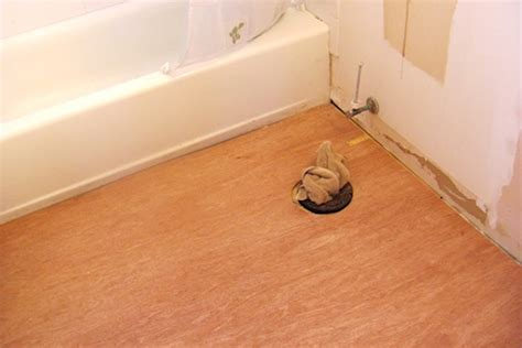 how to replace vinyl flooring in bathroom how to lay vinyl plank flooring in a bathroom thefloors co