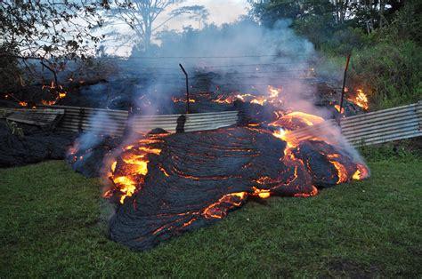 what s in a lava l raw hawaii lava flow threatens roads aol com