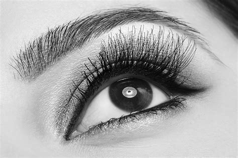 membuat alis mata tebal alami tren update eyebrow extension dengan bulu mata palsu