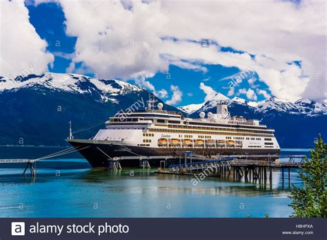 schip zaandam zaandam cruise ship stock photos zaandam cruise ship
