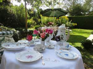 Beautiful Table Settings Mixing Herend For A Garden Table Setting