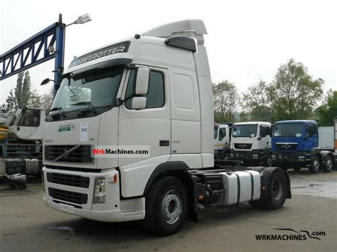 volvo tractor trailer volvo fh 440 2007 standard tractor trailer unit photos and