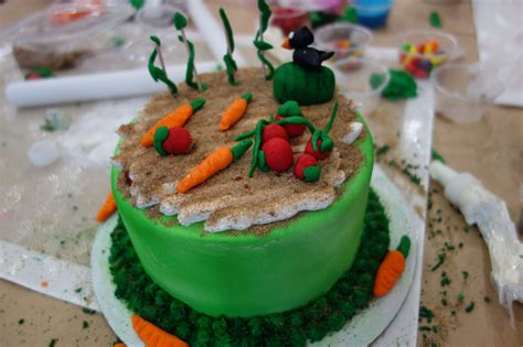 Cake Decorating Los Angeles by Decorating Cakes In Preview Of Los Angeles Food And Wine