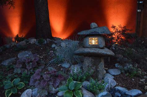 lanterne giapponesi da giardino lanterne giapponesi illuminazione giardino lanterne