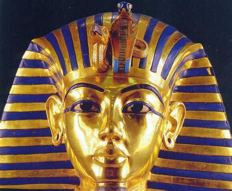 Lapis Tutu plates of gold blue eyed king tutankhamun