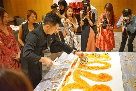 Sepatu New Hao Sheng White Sekolah singapore marriott tang plaza hotel cny reunion feasts usher in new lunar year in splendour