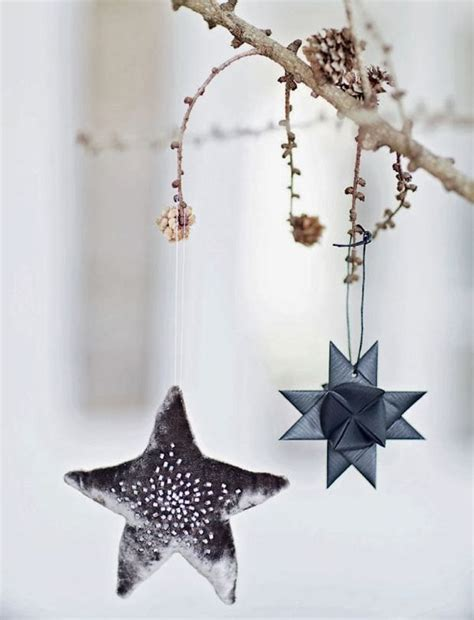 stars decorations for home christmas decorating with stars 43 gorgeous ideas digsdigs