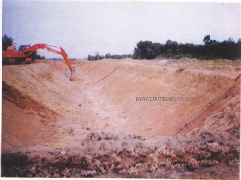 Galian Tanah Dengan Alat Berat kumpulan ilmu sipil metoda pelaksanaan pekerjaan saluran irigasi